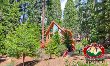 Yosemite Scenic Wonders has Yosemite cabins available for rent - Red Fox Retreat