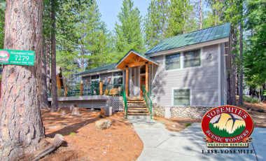 Yosemite Scenic Wonders has Yosemite cabins available for rent - Strawberry Creek