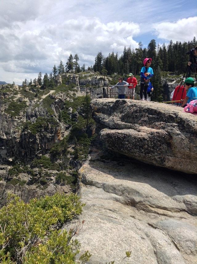 Hiking To Yosemite S Taft Point Scenic Wonders Yosemite